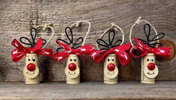 Decorazioni Natalizie Con I Tappi Di Sughero.Ecco Come Riciclare I Tappi Di Sughero A Natale 20 Idee Strepitose