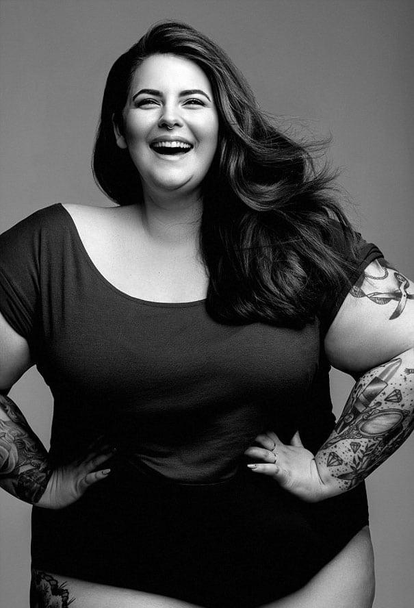 ea97c152630e Il calendario sexy della Top Model obesa spopola sul web! Simbolo di ...
